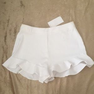 Zara Back Zip Ruffle Hem Shorts